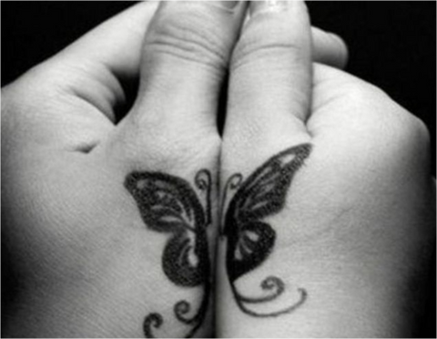 Tatouage de couple papillon