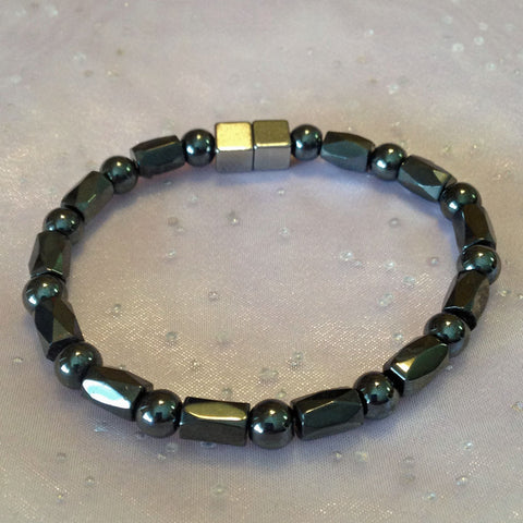 N601  Magnetic Black Bead with Black Barrel Necklace