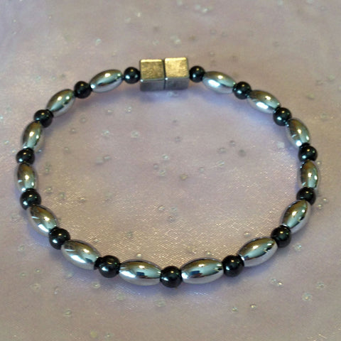 N607  Magnetic Black Bead and Silver Rice Necklace