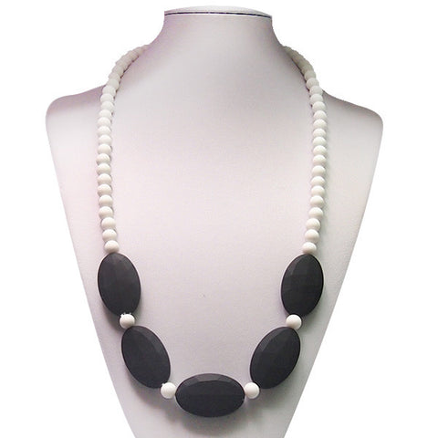Tabitha Necklace Black & White