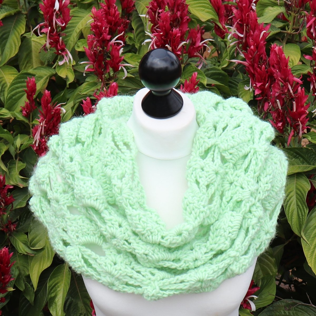 Box & Bow Tie Cowl, Capelet, or Neck Warmer - secretyarnery