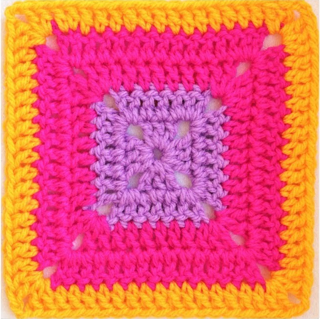 Super Easy Solid Granny Square - secretyarnery