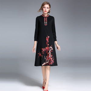 2017 Autumn New Elegamt Women Wrist Sleeves Embroidery Dress Plus Size Female Retro Stand Collar Knee-Length Dress - Oskalisti
