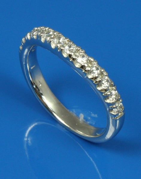 .30ctw Diamond Curved Band