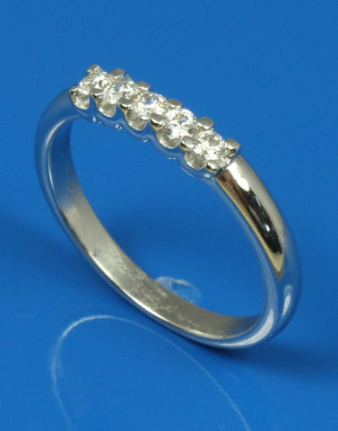 .18ctw Diamond Curved Band