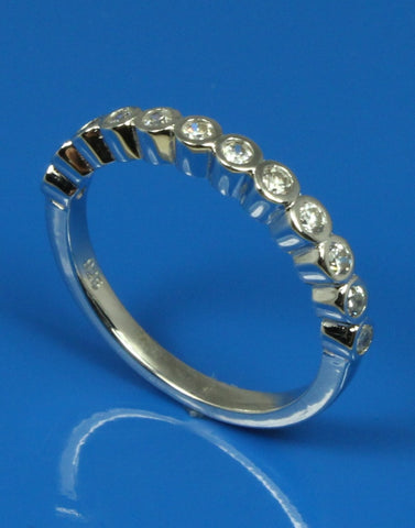 .25ctw Diamond Bezel Set Band