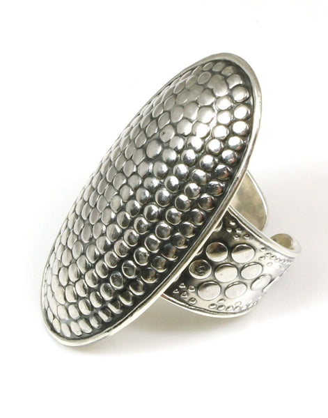 Oval Dot Design Ring