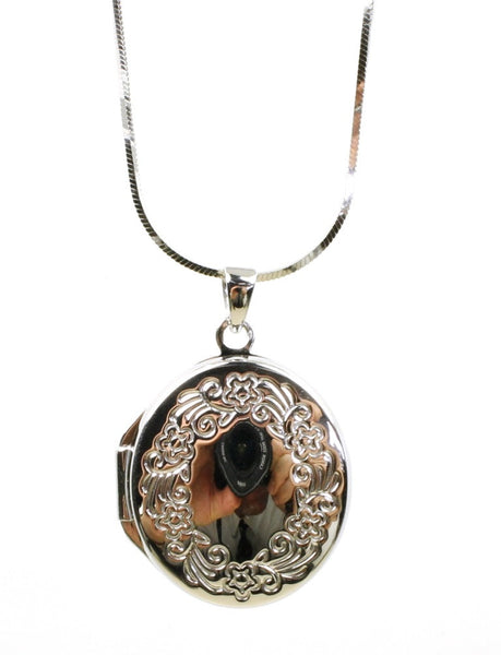 Oval Wreath Locket Necklace