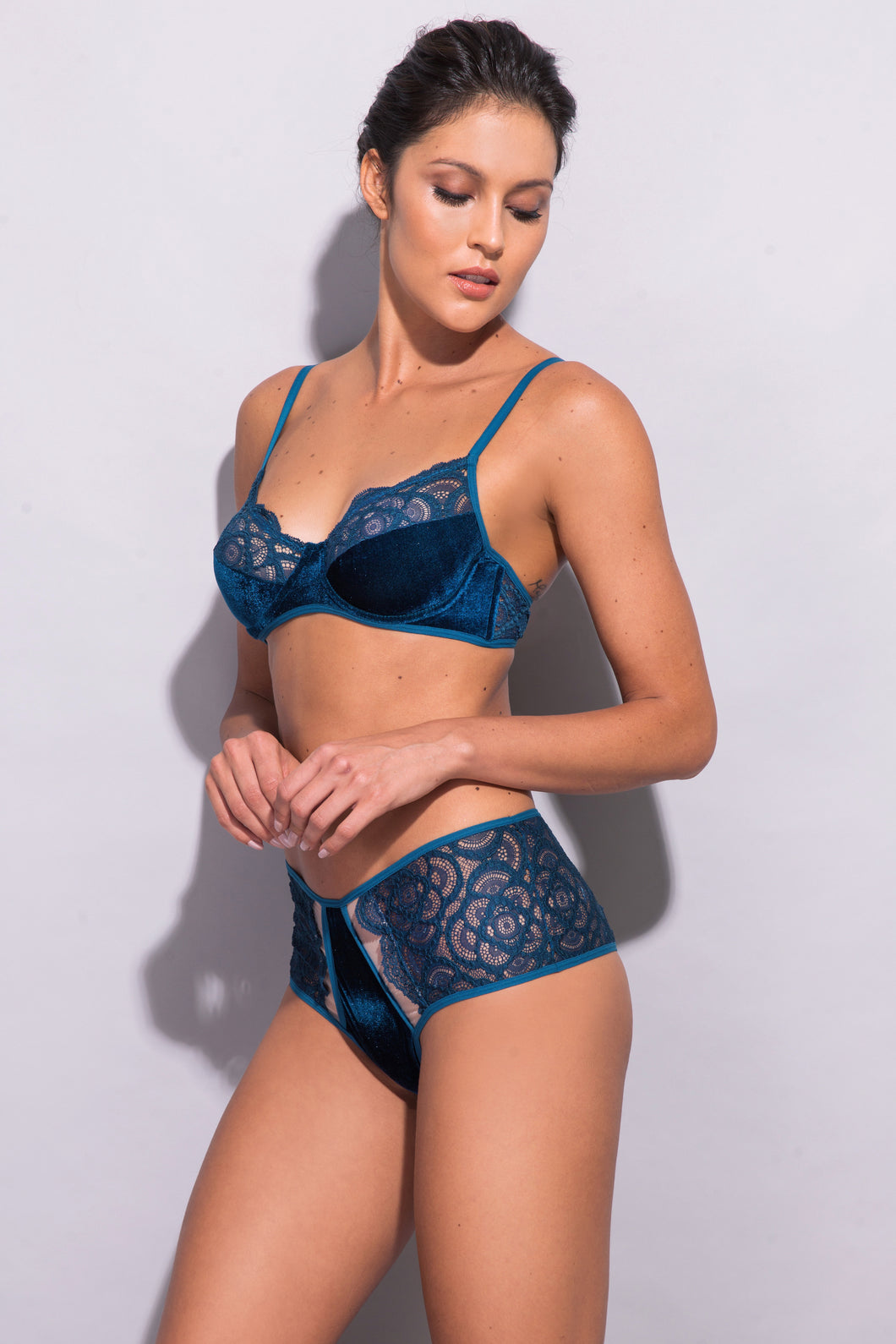 Iris Lace and Velvet Bra