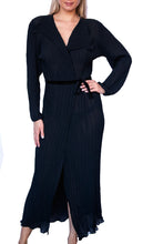 Load image into Gallery viewer, Edinburgh Skinny Plissé Pleated Wrap Robe