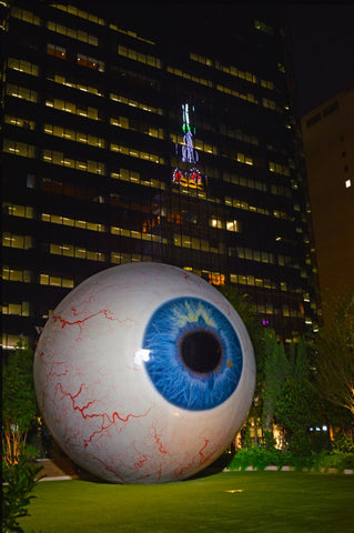 Giant Eyeball #770