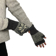 Load image into Gallery viewer, Fingerless gloves