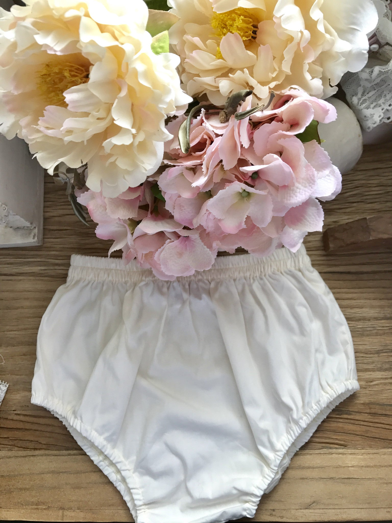 Butter cream colour bloomers - Tea Princess