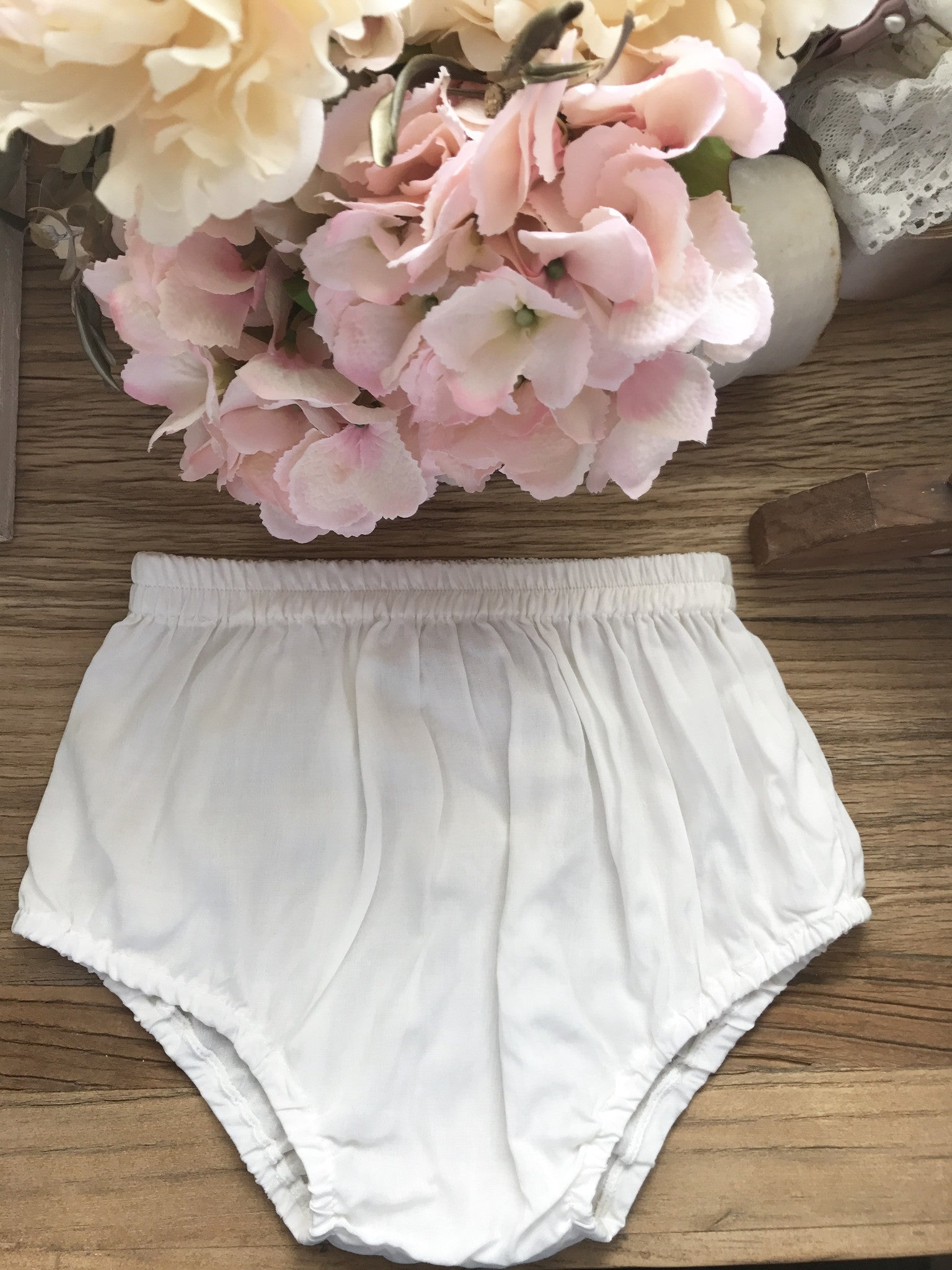 Bloomers Offwhite/ light Ivory coloured