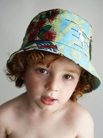 Dishy fantail child's hat