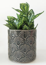 Load image into Gallery viewer, Poppy Planter Charcoal