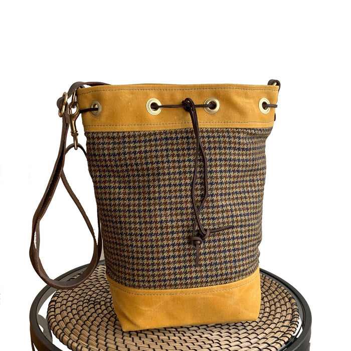 Wildwood Waxed Canvas Houndstooth Bucket Bag