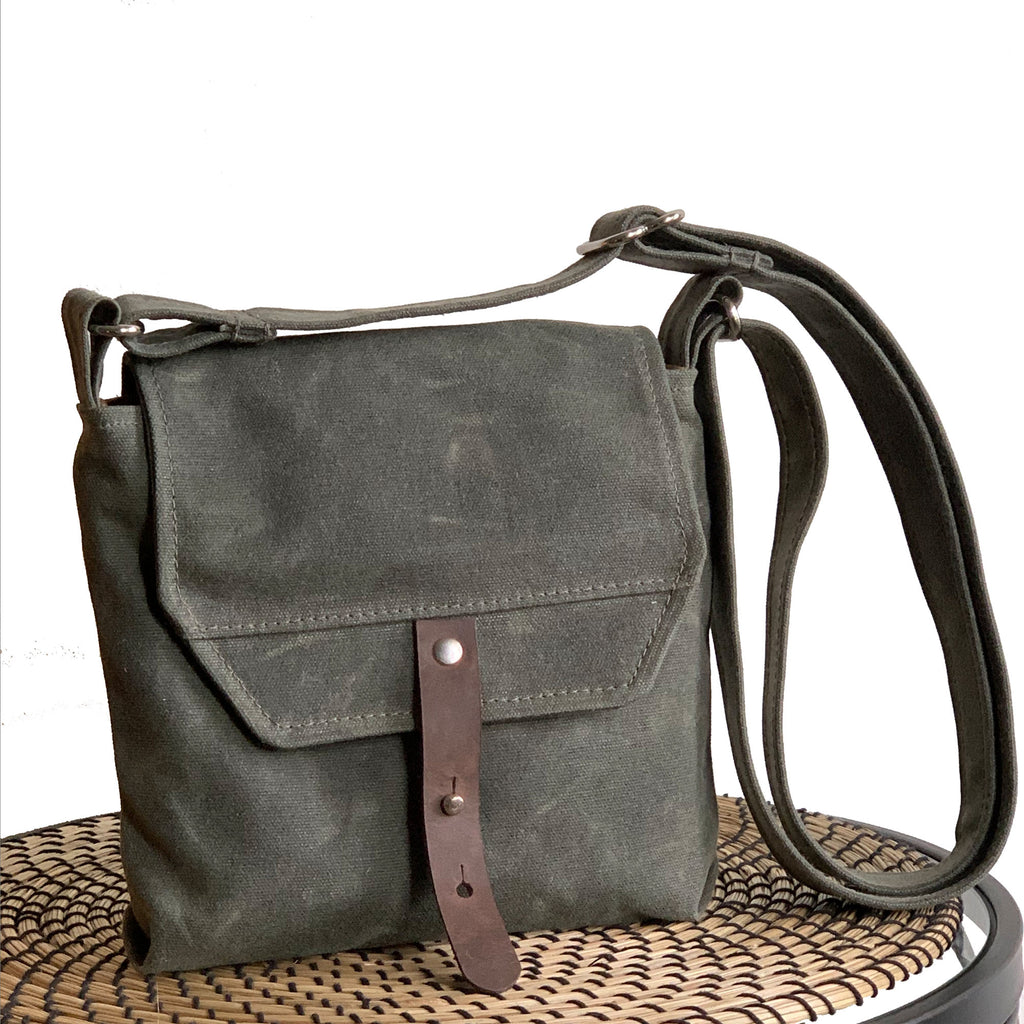 Hobe Satchel Waxed Canvas Bag - Green