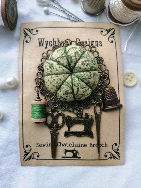 Chatelaine Sewing Brooch - Green, Dotty Flowers