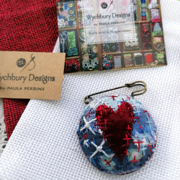 Cross Your Heart Fob Brooch (Blue)