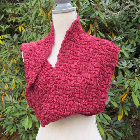 City Paths cowl in Pyrope Keira