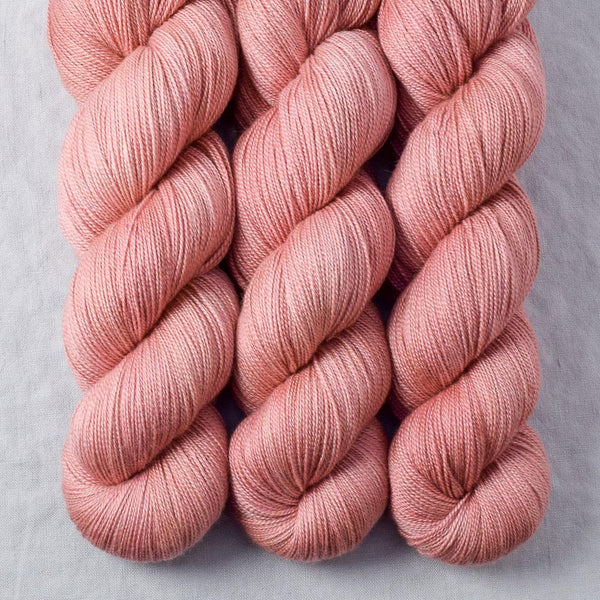 Adobe - Miss Babs Dulcinea yarn
