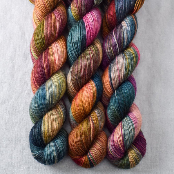 Almost Paradise - Miss Babs Katahdin 437 yarn