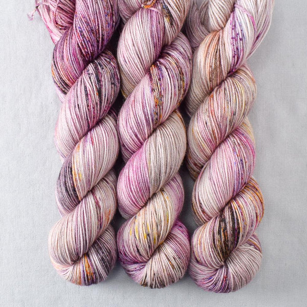 Autumn Toad Lily - SAFF 2020 - Miss Babs Tarte yarn