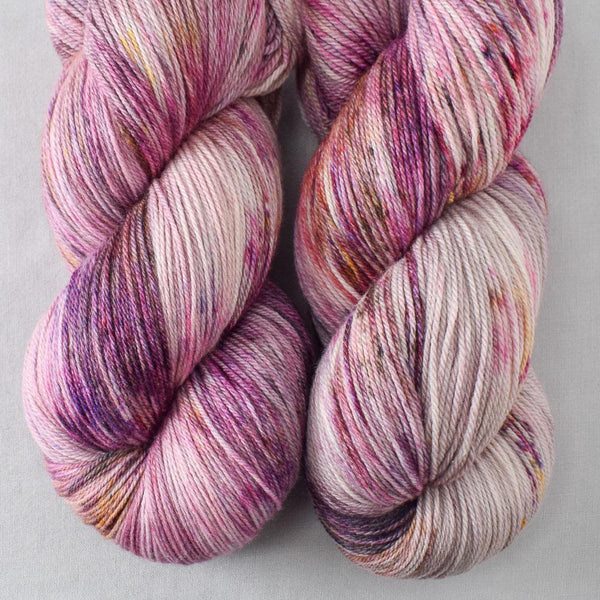 Autumn Toad Lily - SAFF 2020 - Miss Babs Killington yarn