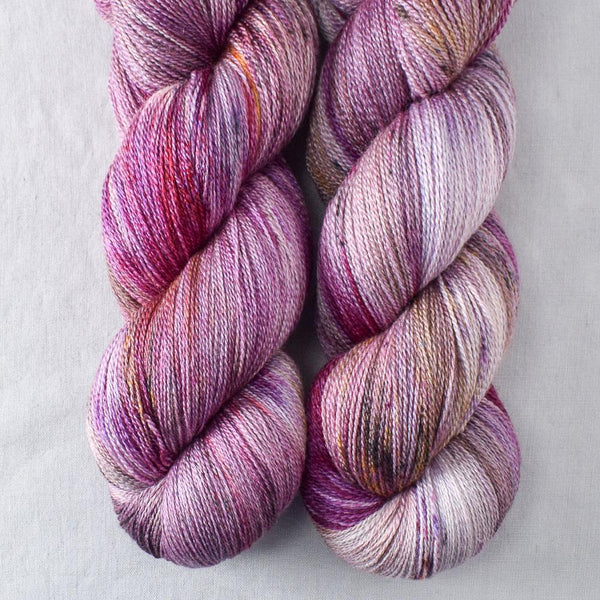 Autumn Toad Lily - SAFF 2020 - Miss Babs Yearning yarn