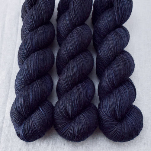 Blackbird - Miss Babs Yummy 3-Ply yarn