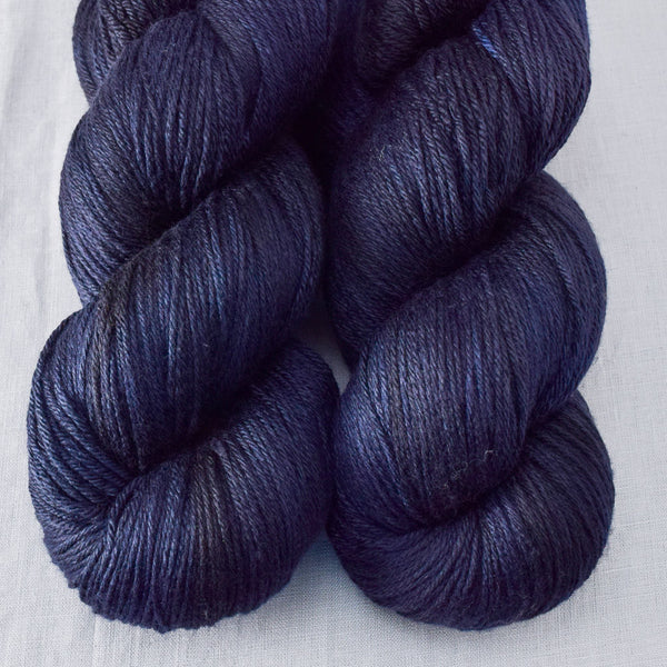 Blackbird - Miss Babs Big Silk yarn