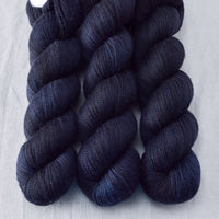 Blackbird - Miss Babs Caroline yarn