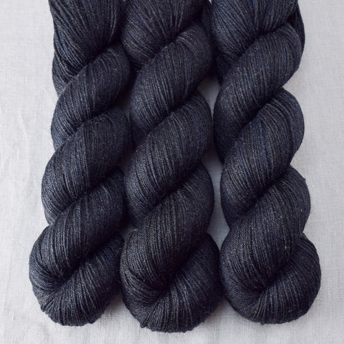 Blackbird - Miss Babs Tarte yarn