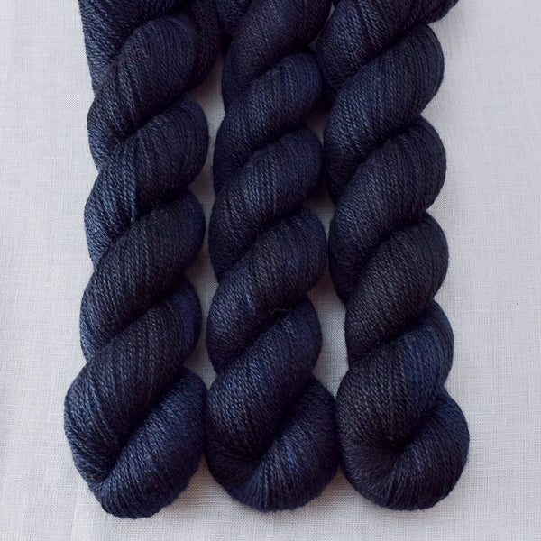 Blackbird - Miss Babs Yet yarn
