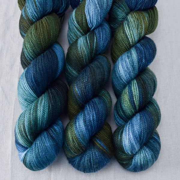 Bue Dasher - Miss Babs Caroline yarn