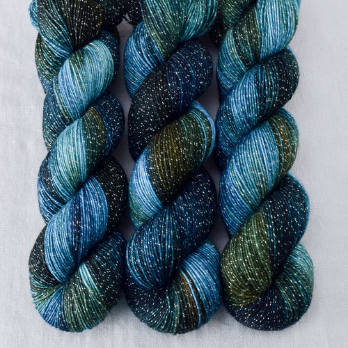 Blue Dasher - Miss Babs Estrellita yarn