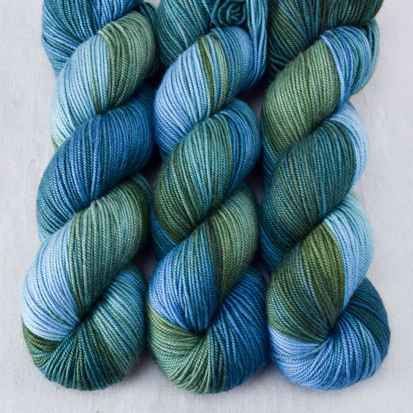 Blue Dasher - Miss Babs Kunlun yarn