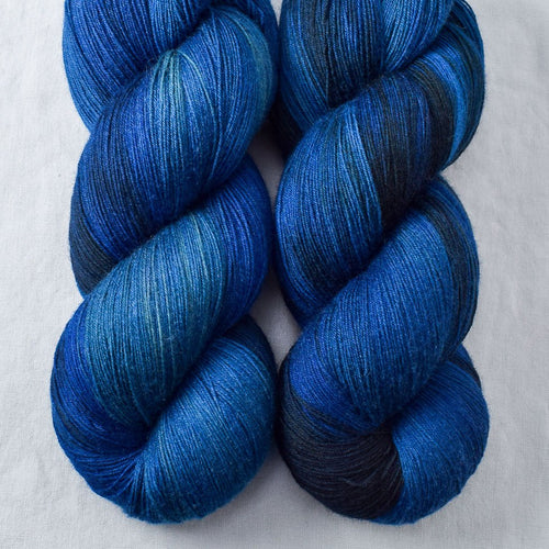 Blue Ridge - Miss Babs Katahdin yarn