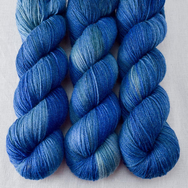 Blue Ridge - Miss Babs Tarte yarn