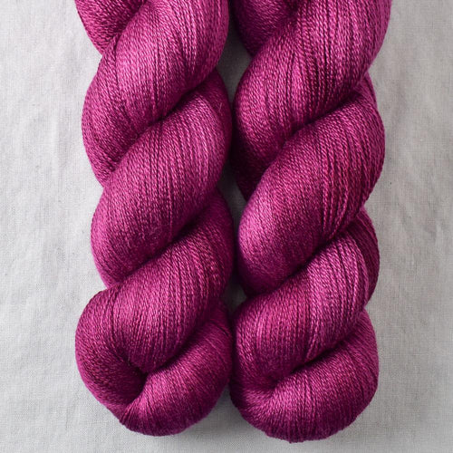 Bougainvilea - Miss Babs Yearning yarn