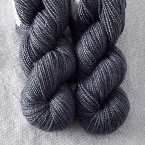 Catbird - Miss Babs 2-Ply Toes yarn