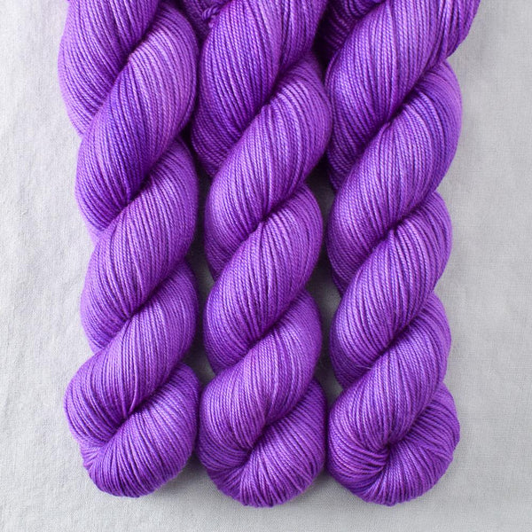 Cercis - Miss Babs Yummy 3-Ply yarn