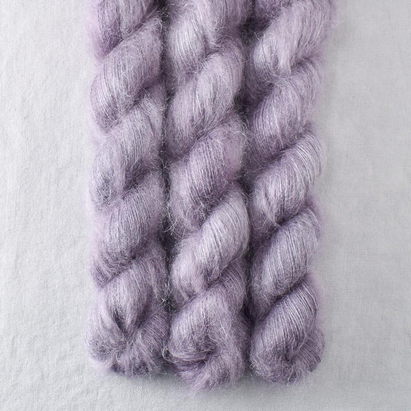 Chinchilla - Miss Babs Moonglow yarn