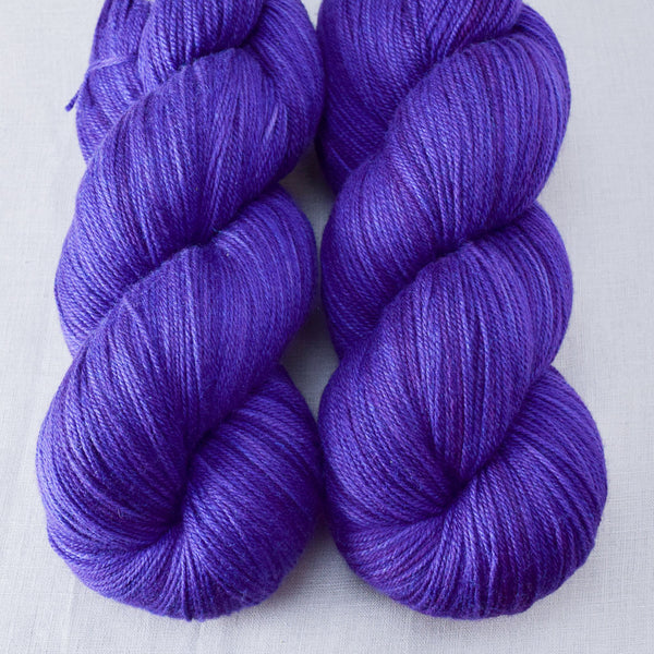 Clematis - Miss Babs Killington yarn