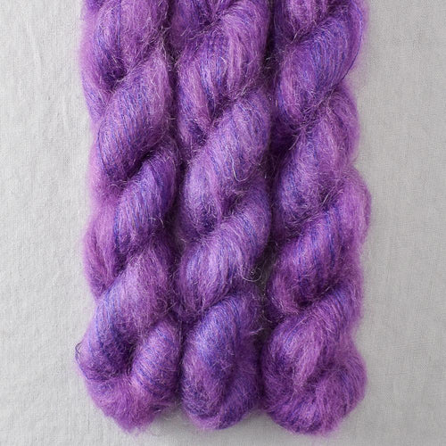Clematis - Miss Babs Moonglow yarn