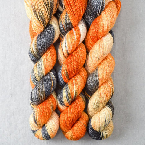 Clownfish - Miss Babs Yet yarn