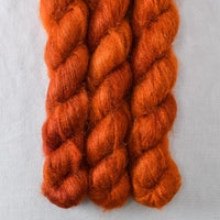 Cygnus - Miss Babs Moonglow yarn
