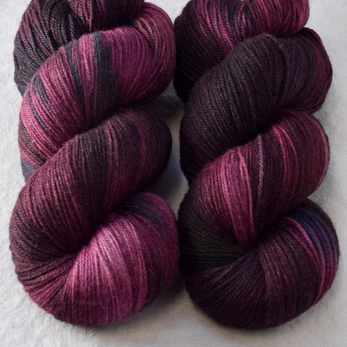 Dark Fury - Miss Babs Killington yarn
