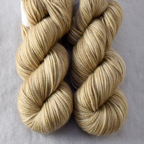 Dunes - Miss Babs 2-Ply Toes yarn